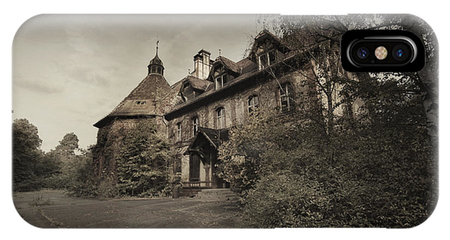 Haunted Hospital IPhone X Case featuring the photograph Die Geister Verweilen by Nuno Benavente