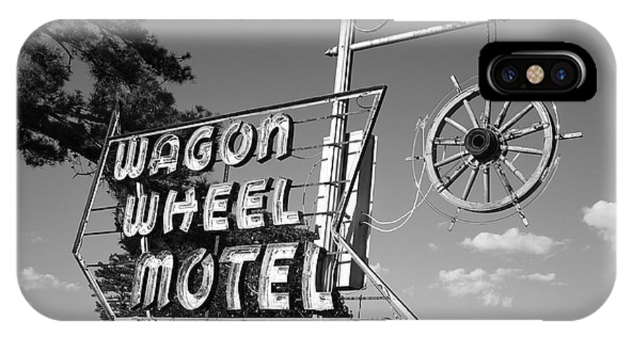 66 IPhone X Case featuring the photograph Route 66 - Wagon Wheel Motel by Frank Romeo