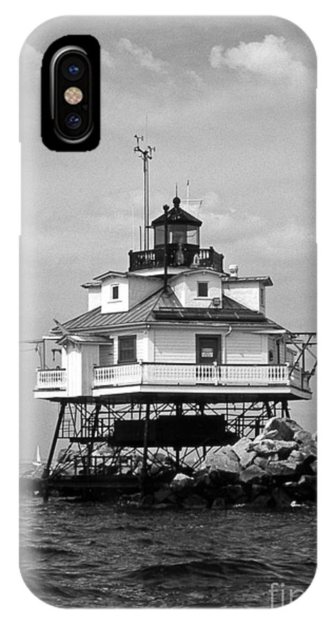 Lighthouses IPhone X Case featuring the photograph Thomas Point Shoal Lighthouse by Skip Willits