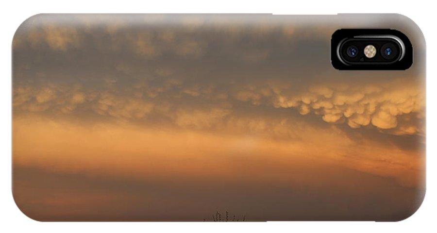 Stormscape IPhone X Case featuring the photograph Nebraska Mammatus Sunset by NebraskaSC