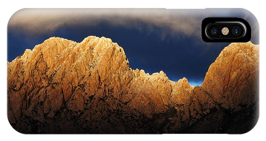 Las Cruces IPhone X Case featuring the photograph A Magic Moment by Vivian Christopher