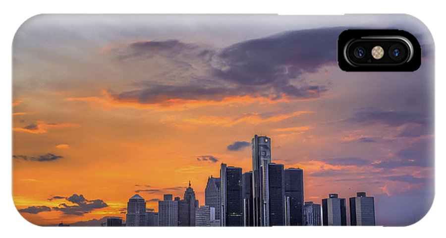 Evening IPhone X Case featuring the photograph An Evening in Detroit Michigan by Tim Wilson