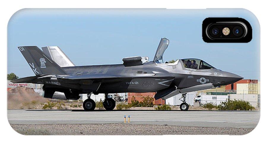 Marine Corps Air Station Yuma IPhone X Case featuring the photograph An F-35b Lightning II Landing At Marine by Riccardo Niccoli