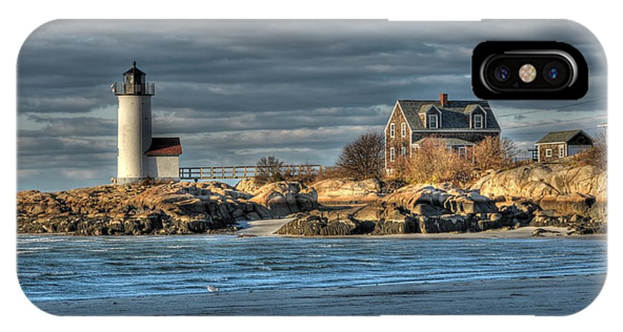 Annisquam Lighthouse IPhone X Case featuring the photograph Annisquam Lighthouse From The Beach by Liz Mackney