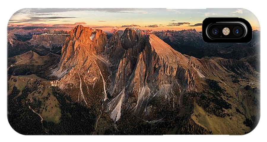 Panorama IPhone X Case featuring the photograph Another Day In The Park by Stan Huang
