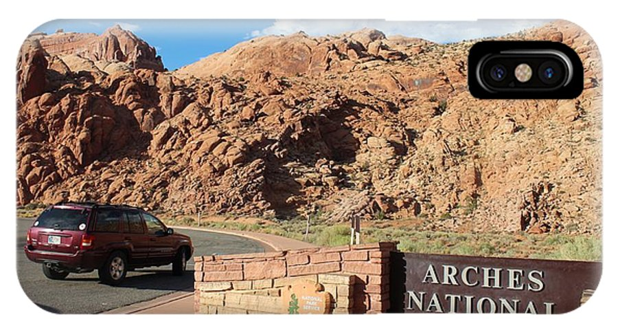 Utah IPhone X Case featuring the photograph Arches National Park 2 by Nelson Skinner
