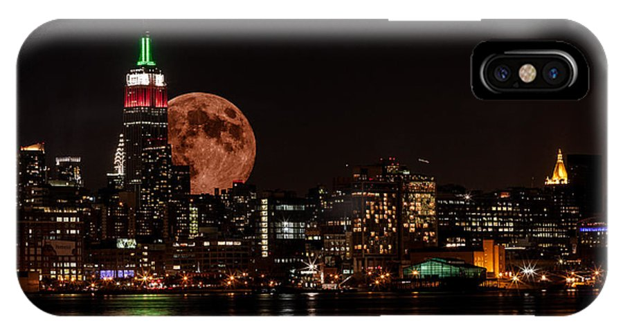Cityscape IPhone X Case featuring the photograph August Moon by David Hahn