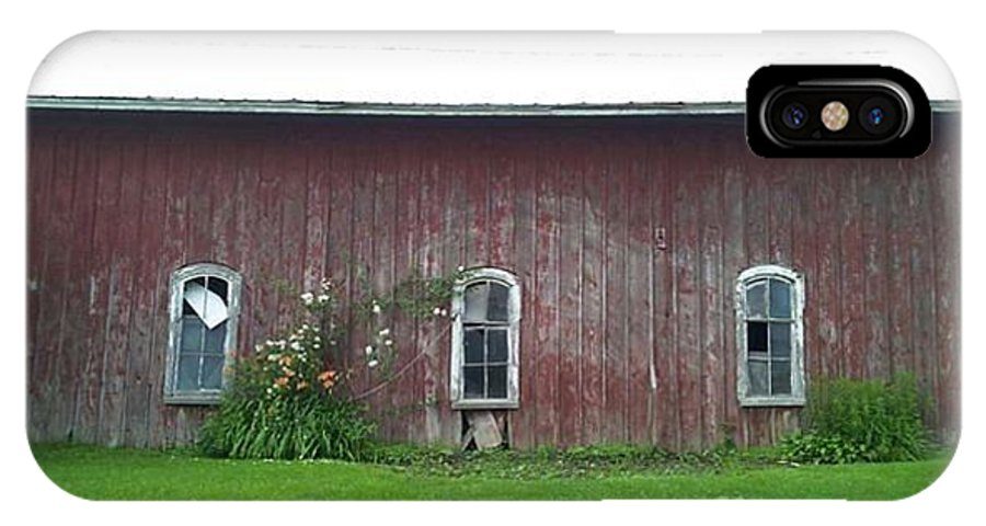 Barn Photographs IPhone X Case featuring the photograph Barn In Jamestown Ny by Charlotte Gray