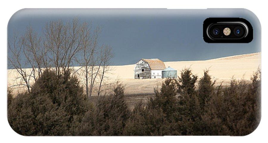 Barn IPhone X Case featuring the photograph Barn In North Dakota by Cheryl Birkhead