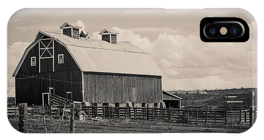 Barn IPhone X Case featuring the photograph Barn In Polaroid by Janice Pariza