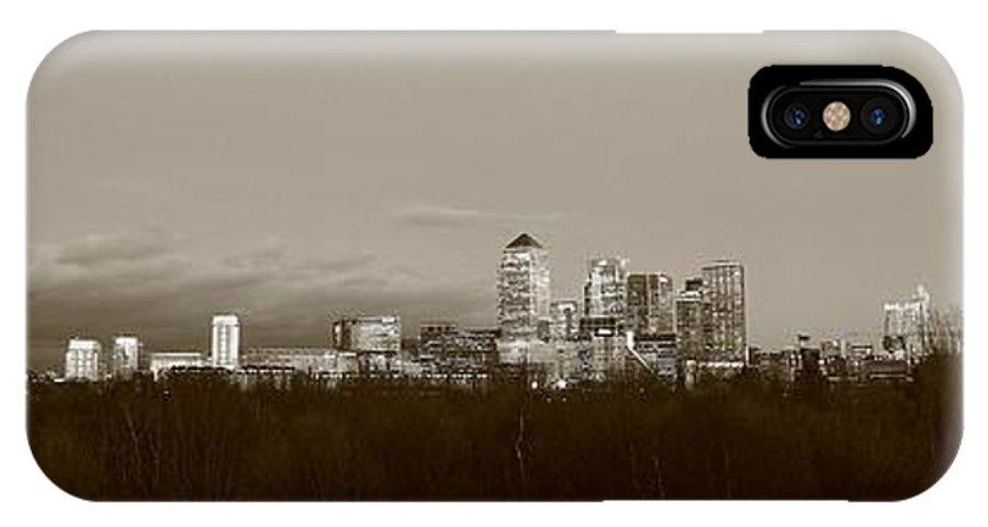 London IPhone X Case featuring the photograph Canary Wharf 6 by Mariusz Czajkowski