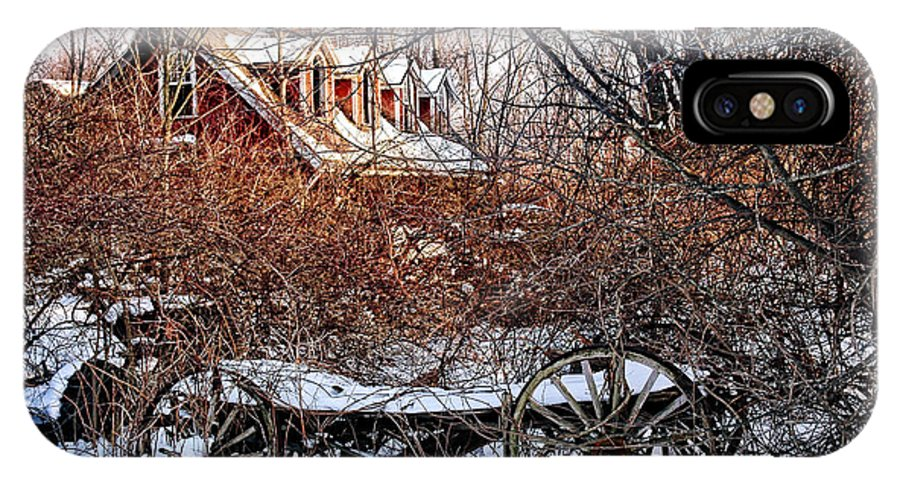 Carraige IPhone X Case featuring the photograph Carriage House In Snow by HD Connelly