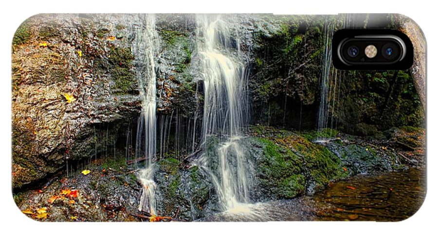 Washington IPhone X / XS Case featuring the photograph Cascade Falls In The Fall by Rick Lawler