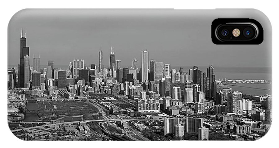 Black And White IPhone X / XS Case featuring the photograph Chicago Looking North 01 Black And White by Thomas Woolworth