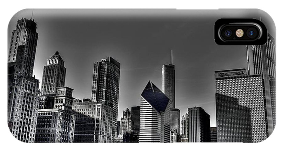 Skykine IPhone X Case featuring the photograph Chicago Skyline 1 Bwc by Richard Zentner