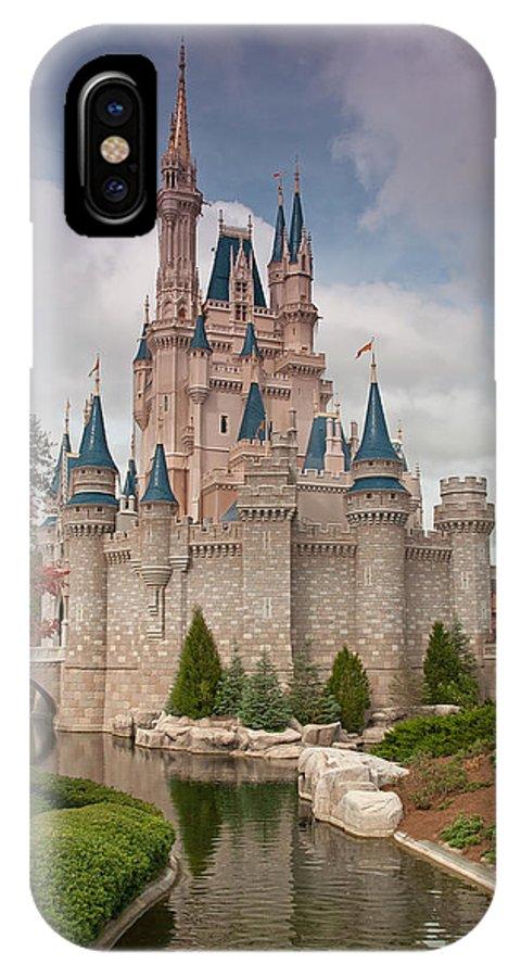 competitive price 646fa 30f13 Cinderella's Enchanted Castle IPhone X Case