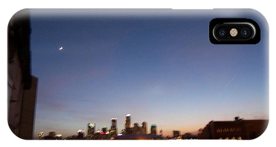 Minneapolis IPhone X Case featuring the photograph Cityscape Mpls by Suzy Kangas