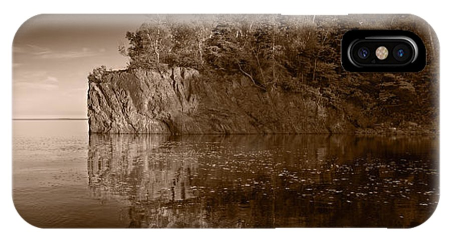 Minnesota IPhone X Case featuring the photograph Cliff Face Northshore Mn Bw by Steve Gadomski