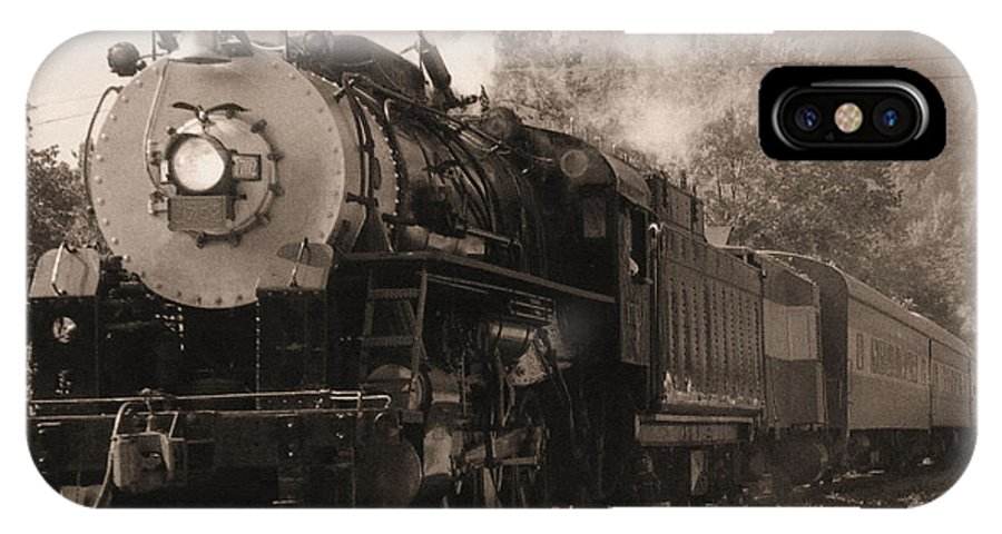Trains IPhone Case featuring the photograph Coming Around The Mountain by Richard Rizzo