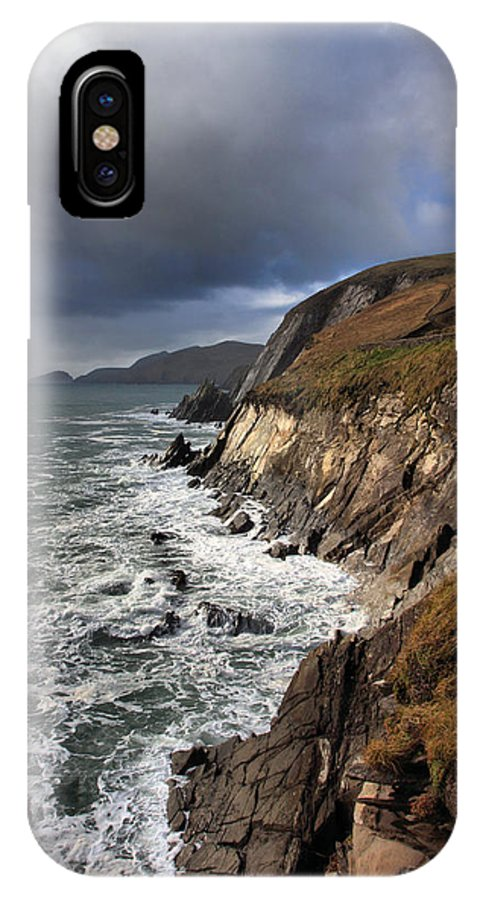 Coomeenoole IPhone X / XS Case featuring the photograph Coomeenoole To Great Blasket by Mark Callanan