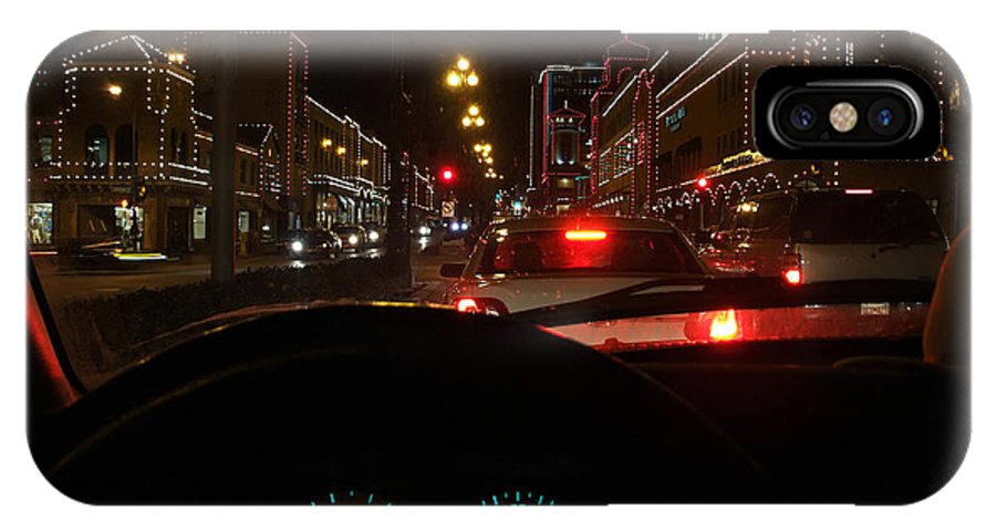 Cruzin View Of The Plaza IPhone X Case featuring the photograph Cruzin The Plaza by Thomas Bomstad