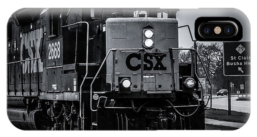 Train IPhone X Case featuring the photograph Csx 2668 by Ronald Grogan