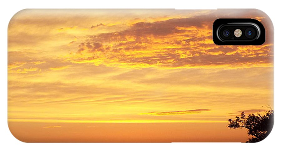 Dawn IPhone X Case featuring the photograph Dawn On Diamond Lake by Cynthia Croal