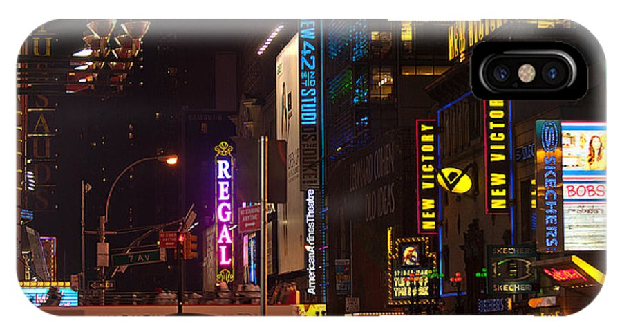 """""""new York City"""" IPhone X Case featuring the photograph Doing The Hustle by Paul Mangold"""