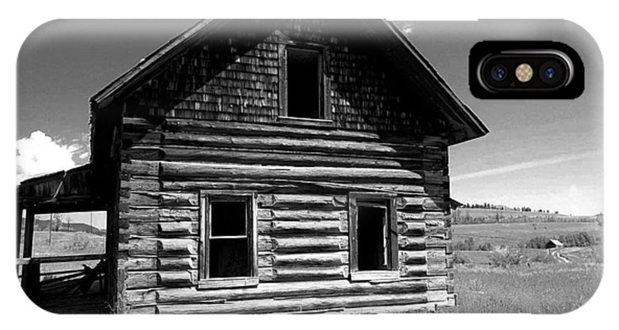 Phil Dionne Photography IPhone X Case featuring the photograph Douglas Lake Homestead Black And White II by Phil Dionne