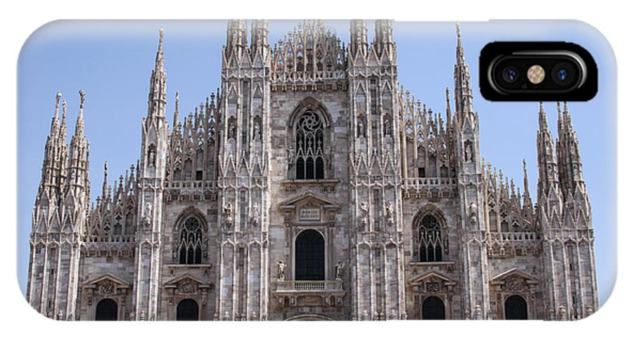Milan Cathedral Italy Duomo Di Milano Cathedrals Church Churches Building Buildings Spire Spires Places Places Of Worship Structure Structures Landmark Landmarks Cityscape Cityscapes IPhone X Case featuring the photograph Duomo Di Milano by Bob Phillips