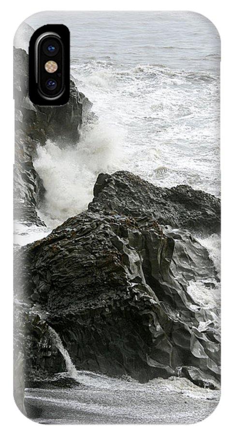 Dyrhólaey IPhone X Case featuring the photograph Dyrholaey Surf by Ian Ashbaugh