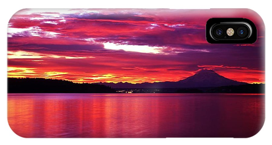 Puget Sound IPhone X Case featuring the photograph Early Morning by Benjamin Yeager