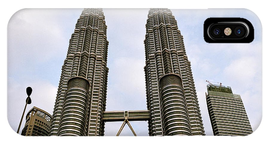 Petronas Towers IPhone X Case featuring the photograph Evocative Petronas Towers by Shaun Higson