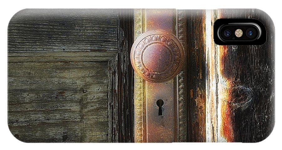Doorknob IPhone X Case featuring the photograph Farmhouse Doorknob by Gene Rodman