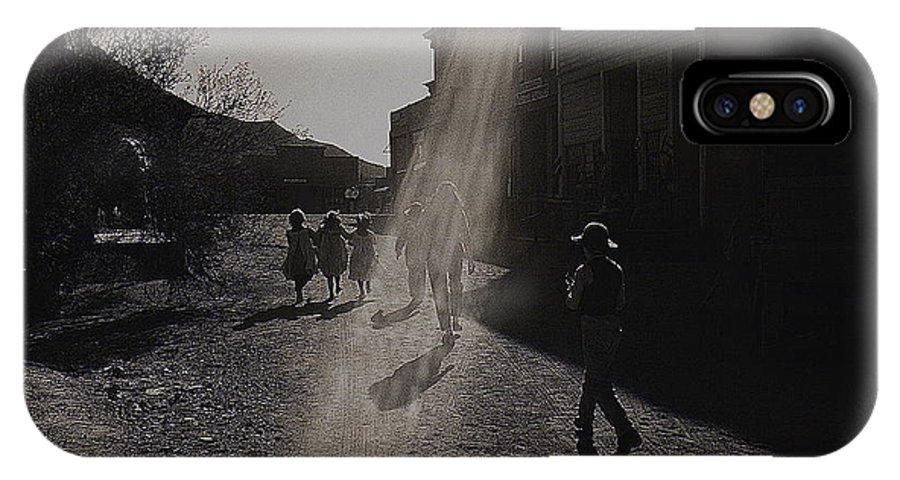Film Homage Kirk Douglas Posse 1975 Kansas Street Old Tucson Arizona IPhone X Case featuring the photograph Film Homage Kirk Douglas Posse 1975 Kansas Street Old Tucson Arizona by David Lee Guss