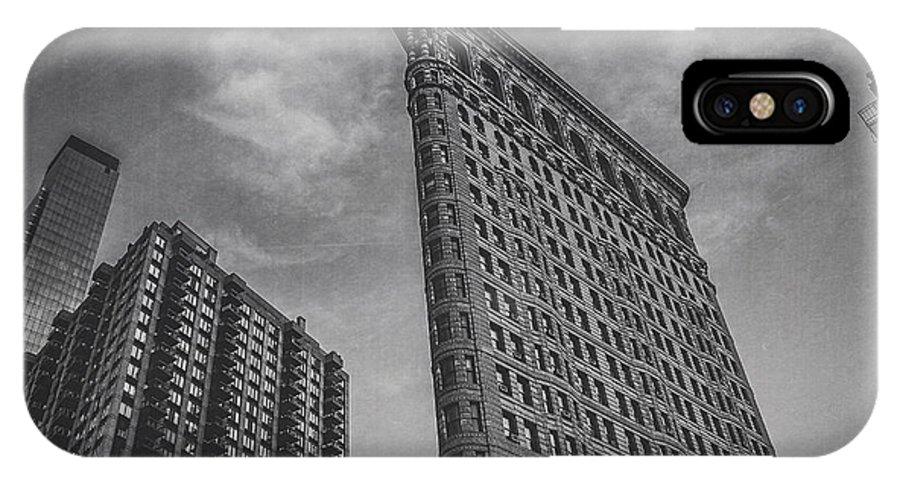 Flatiron IPhone X Case featuring the photograph Flatiron New York City by Maren Misner