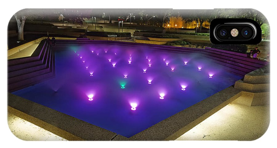 Fort Worth Water Garden Aerated Pool IPhone X Case featuring the photograph Fort Worth Water Garden Aerated Pool by Jonathan Davison