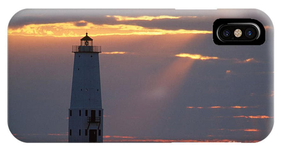 Lighthouse IPhone X / XS Case featuring the photograph Frankfort North Breakwater Lighthouse by David Davis