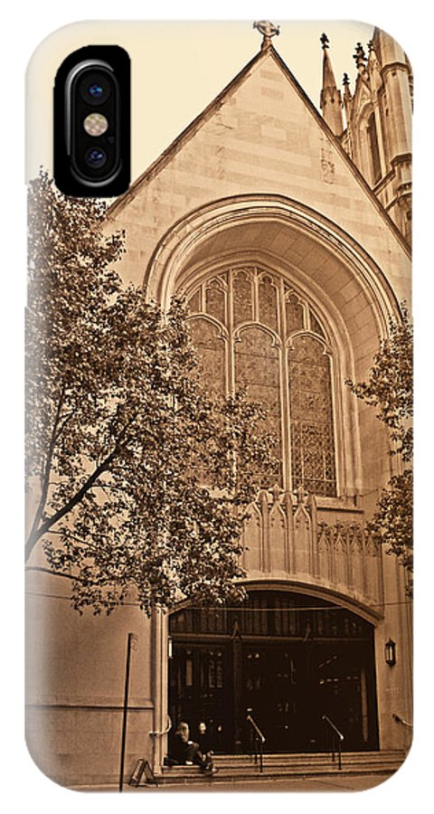 New York IPhone X Case featuring the photograph Get Me To The Church by Donna Blackhall