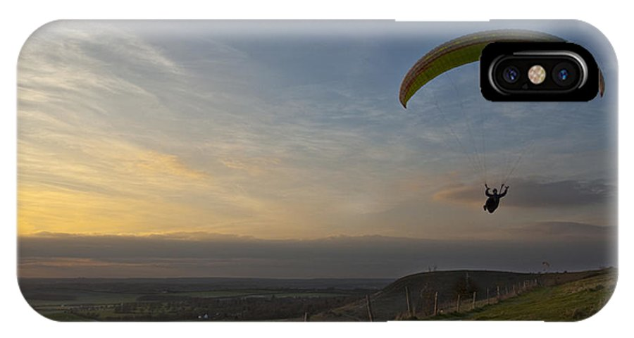 Hang Gliding IPhone X Case featuring the photograph Hang Gliding At Dunstable Downs by Graham Custance