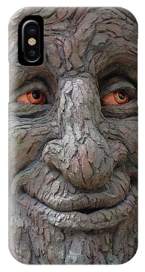 Tree Face IPhone X / XS Case featuring the photograph Happy Face by Scott Wittenburg