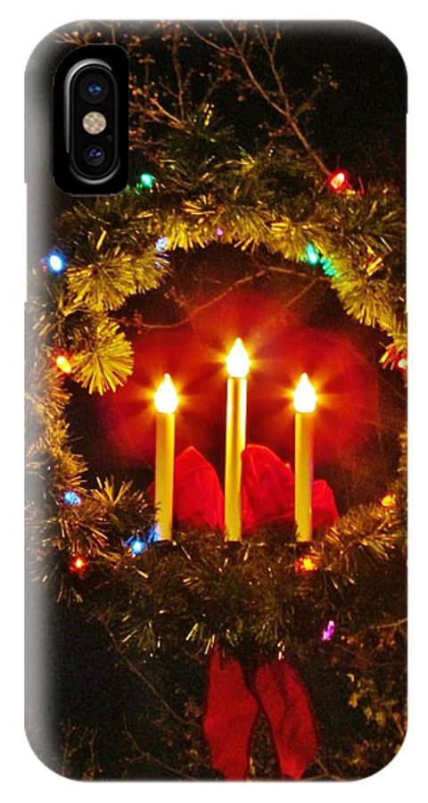 Holiday Wreaths IPhone X / XS Case featuring the photograph Holiday Wreath by Thomas McGuire
