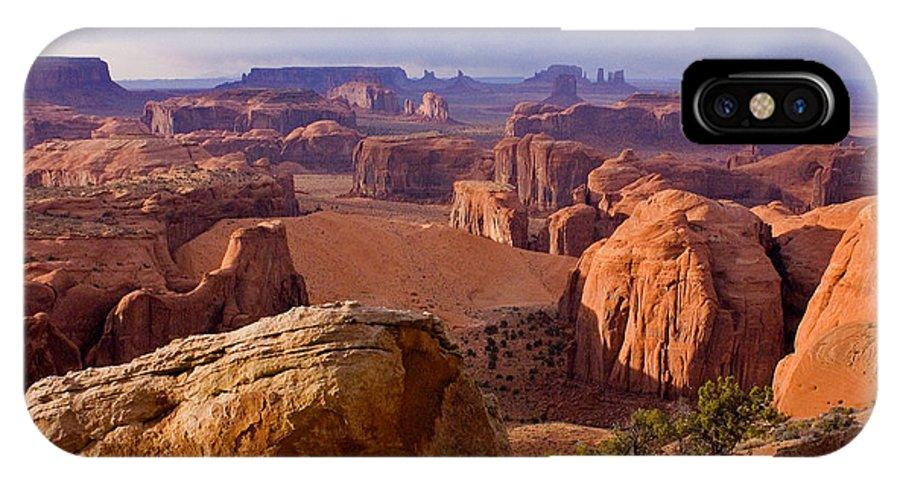 Hunts Mesa Arizona Utah Border Sandstone Little Captian Valley Kayenta Arizona Monument Valley Navajo County Navajo Land Sand Dunes Monument Valley Tribal Park IPhone X Case featuring the photograph Hunts Mesa Arizona by Reed Rahn