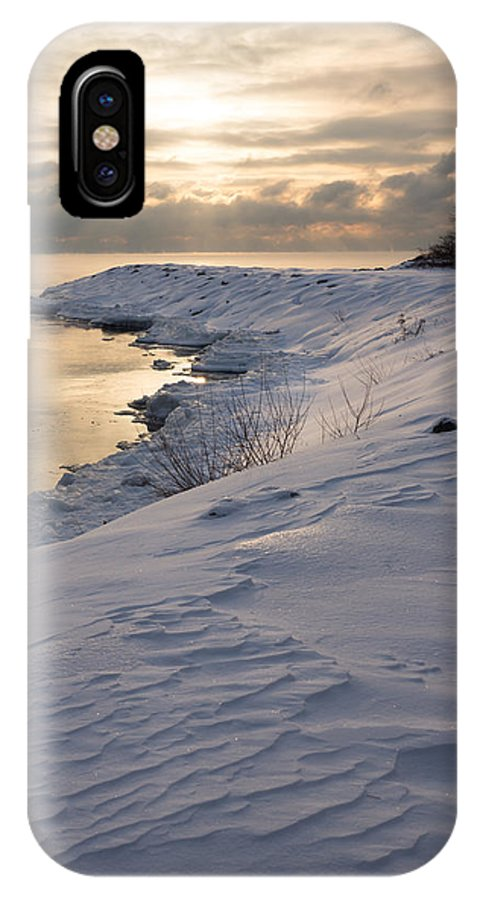 Icy IPhone X Case featuring the photograph Icy Patterns On The Snow - A Lake Shore Morning by Georgia Mizuleva