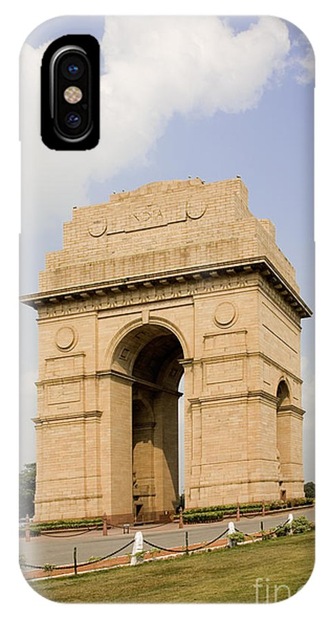 Architectural IPhone X / XS Case featuring the photograph India Gate, New Delhi, India by David Davis