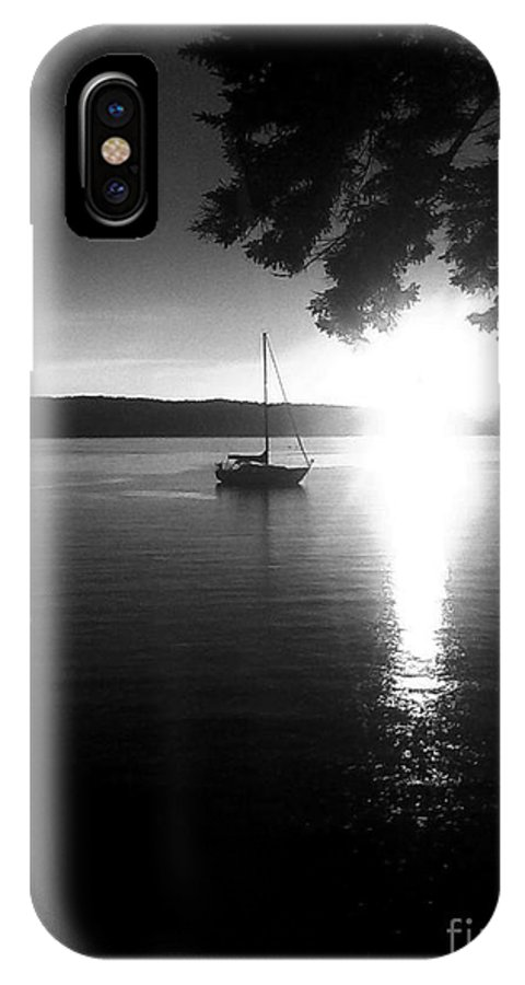 Sailing Monochromatic Photography Photo Photos Picture Black White Grey Green Trees Tree Leaves Leaf Sun Sunlight Sunset Sunsets Mast Mask Masks Water Ocean Lake Pond Marina Loft Peaches Pickle Pineapple Mouse Joker Flower Flowers Bird Duck Lizard Lizards Chinese English Horizon Landscape Fork Melting Liquid Light Dark Darkness Beauty Beautiful Lovely Lonely Loneliness Computer Camera Purple Pink Red Happy Joy Sad Children Women Fingers Ring Rings Toes Toe Eye Eyes Face Yellow Violet Joker Beaut IPhone X Case featuring the photograph Into The Sun by Allyson Andrewz