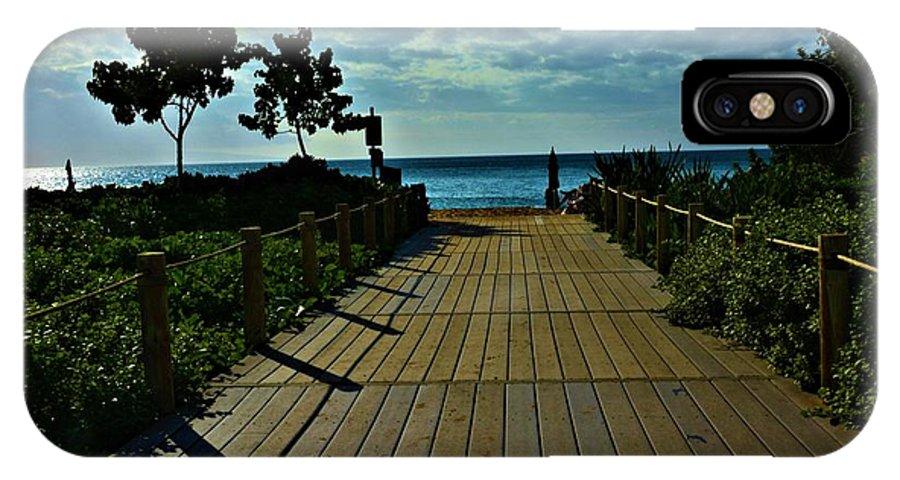Walkway IPhone X Case featuring the photograph Kahanapali Beach Walk by Richard Jenkins