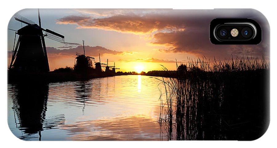 Kinderdijk IPhone X / XS Case featuring the photograph Kinderdijk Sunrise by Dave Bowman
