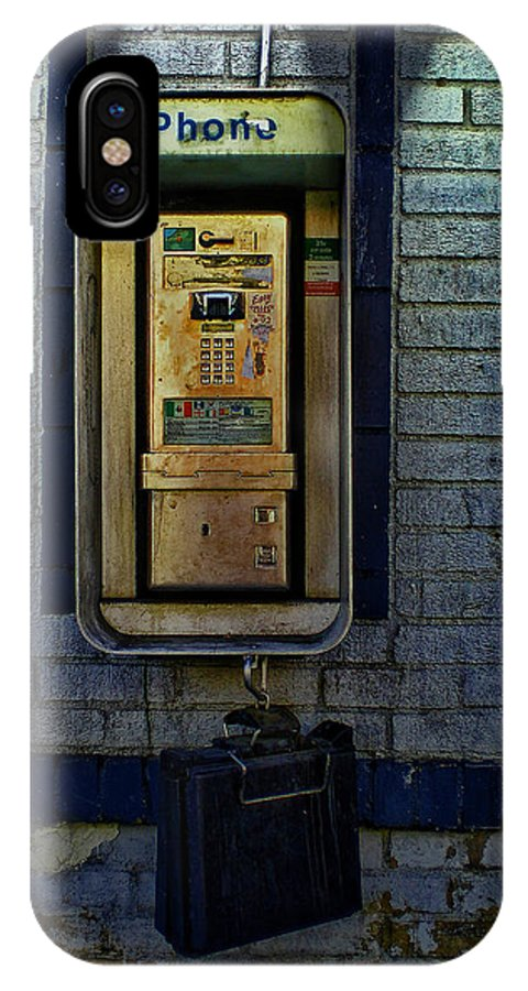 Pay Phone IPhone X Case featuring the photograph Last Pay Phone by Guillermo Rodriguez