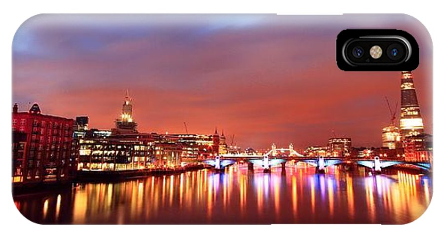 London . Uk . England . Europe IPhone X Case featuring the photograph London 13 by Mariusz Czajkowski